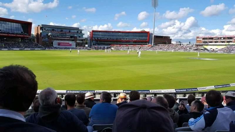Vista sentada para Old Trafford Cricket Ground Secção A6 Fila 11 Lugar 211