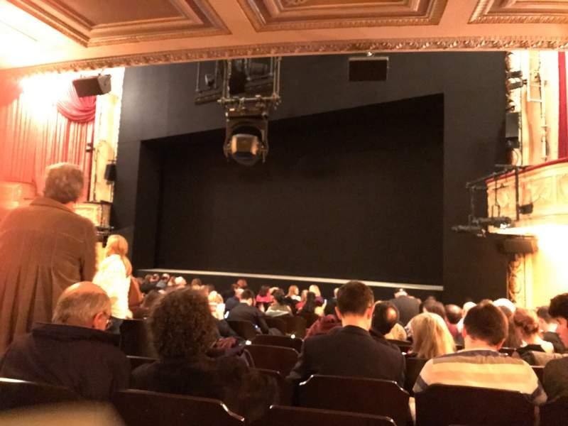 Vista sentada para Bernard B. Jacobs Theatre Secção Orchestra L Fila N Lugar 14
