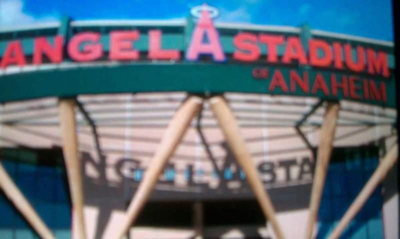 Vista sentada para Angel Stadium Secção entrance