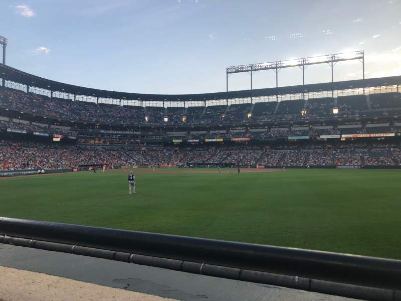 Vista sentada para Oriole Park at Camden Yards Secção 98 Fila 1 Lugar 9-10