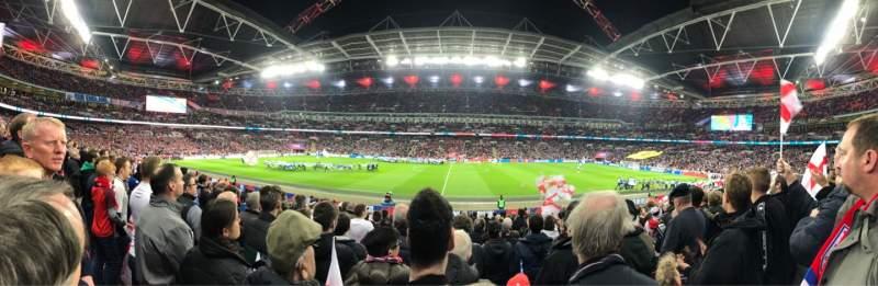 Vista sentada para Wembley Stadium Secção 122 Fila 20 Lugar 317