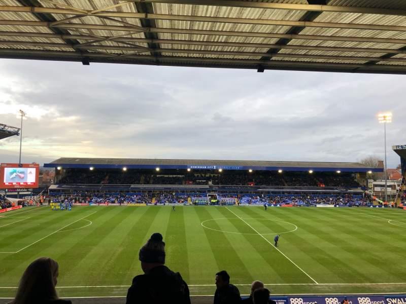 Vista sentada para St Andrew's Stadium Secção International Suite Fila 6 Lugar 53