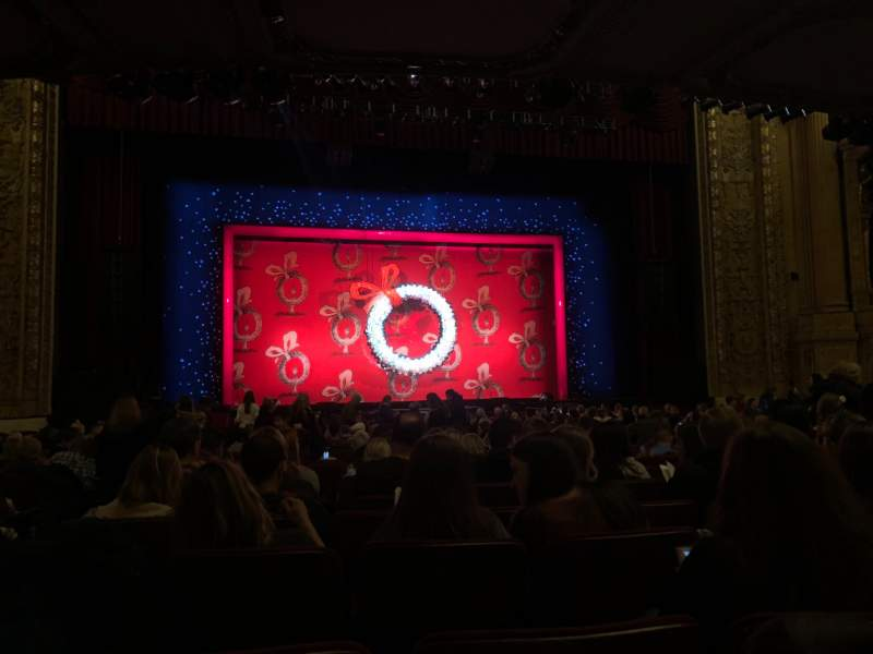 Vista sentada para Chicago Theatre Secção MNFL4L Fila J Lugar 419
