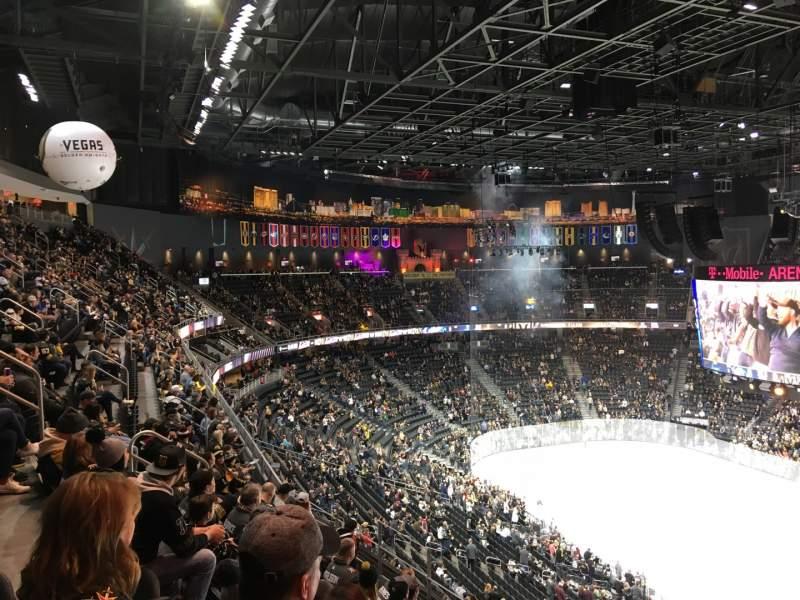 Vista sentada para T-Mobile Arena Secção 208 Fila G Lugar 15