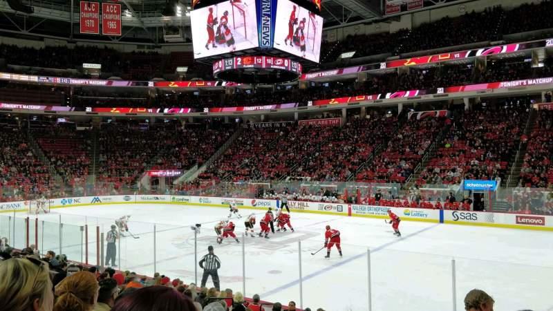 Vista sentada para PNC Arena Secção 117 Fila M Lugar 3