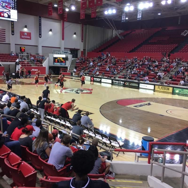 Vista sentada para John M. Belk Arena Secção 4 Fila D Lugar 1