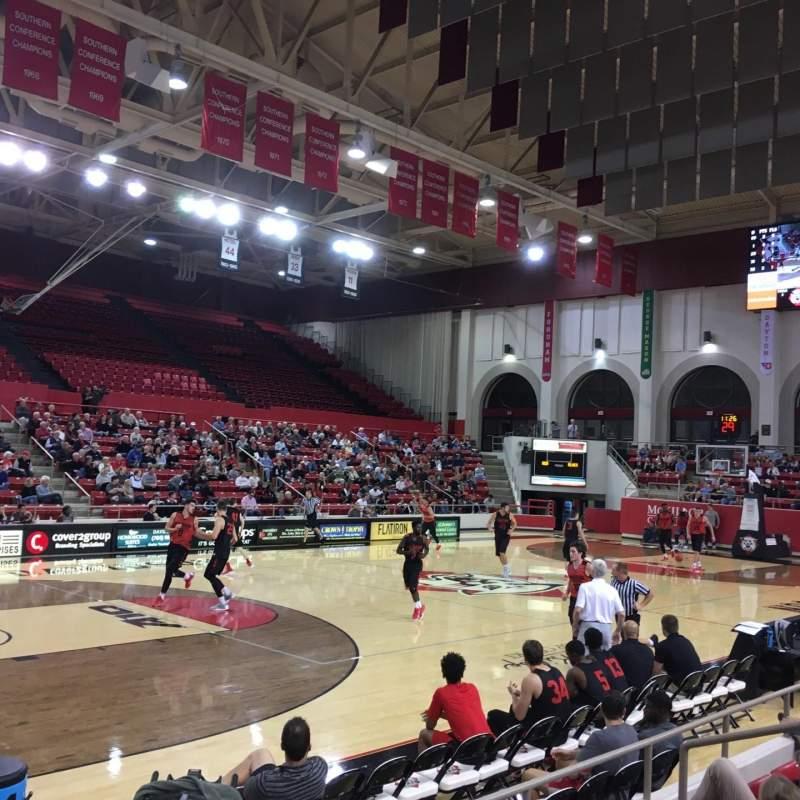 Vista sentada para John M. Belk Arena Secção 16 Fila H Lugar 1