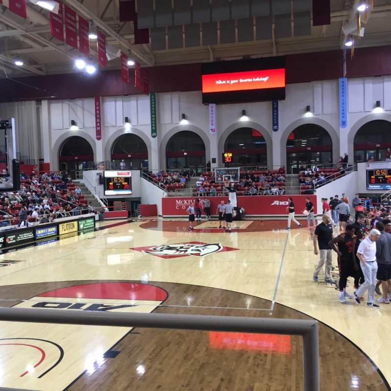 Vista sentada para John M. Belk Arena Secção 18 Fila B Lugar 1