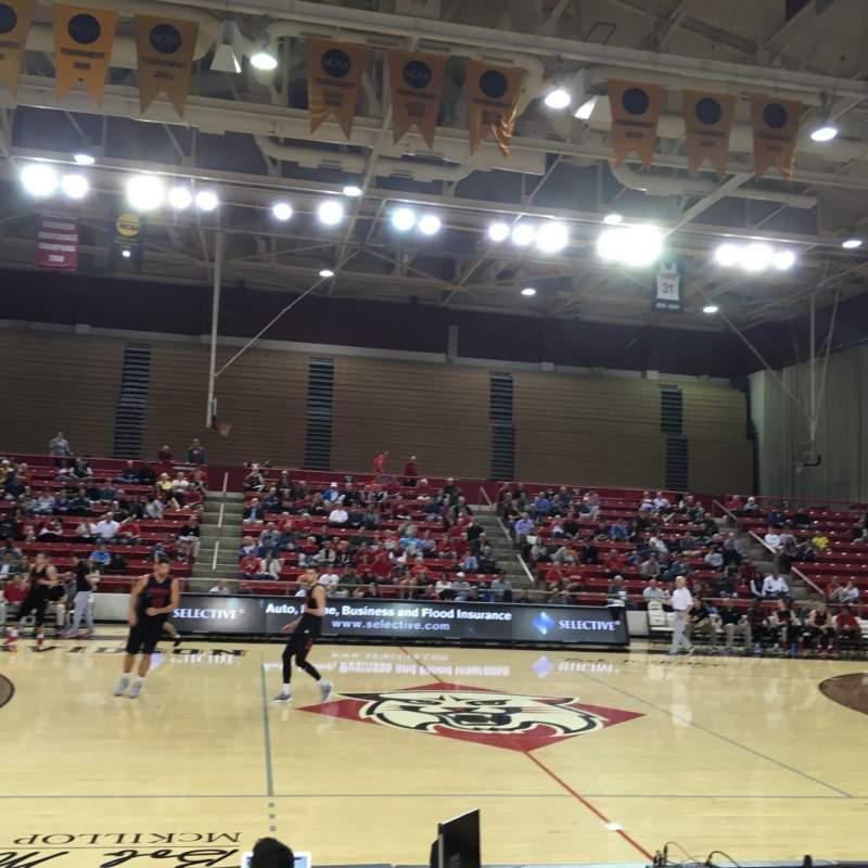 Vista sentada para John M. Belk Arena Secção 11 Fila F Lugar 1