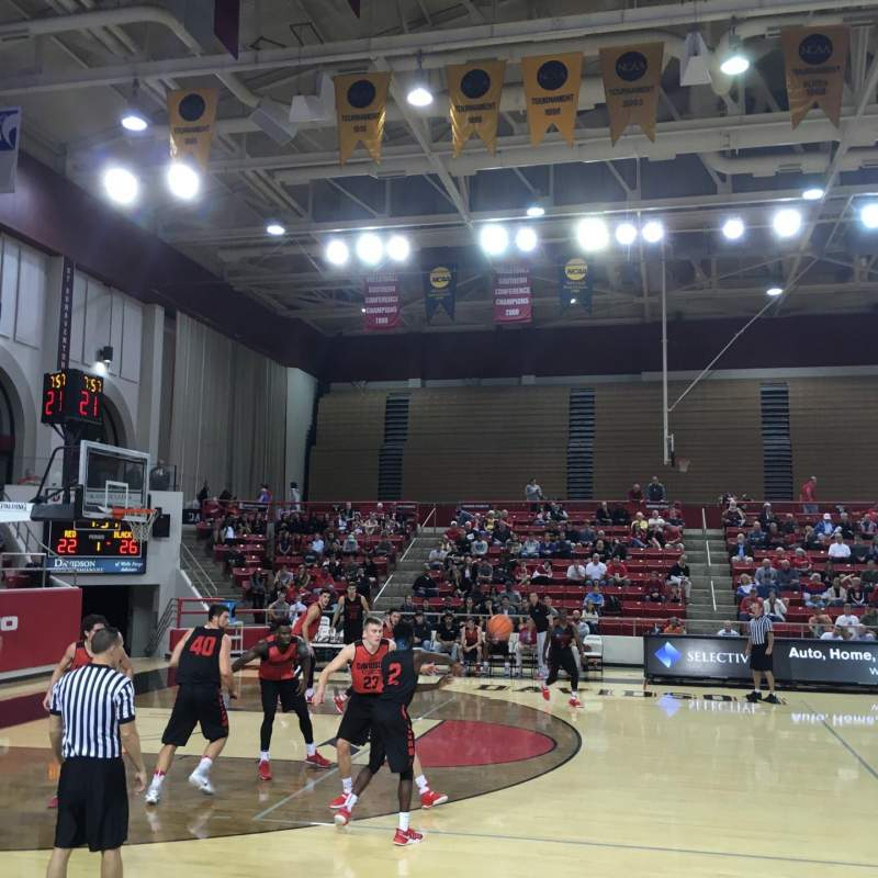 Vista sentada para John M. Belk Arena Secção 9 Fila B Lugar 1