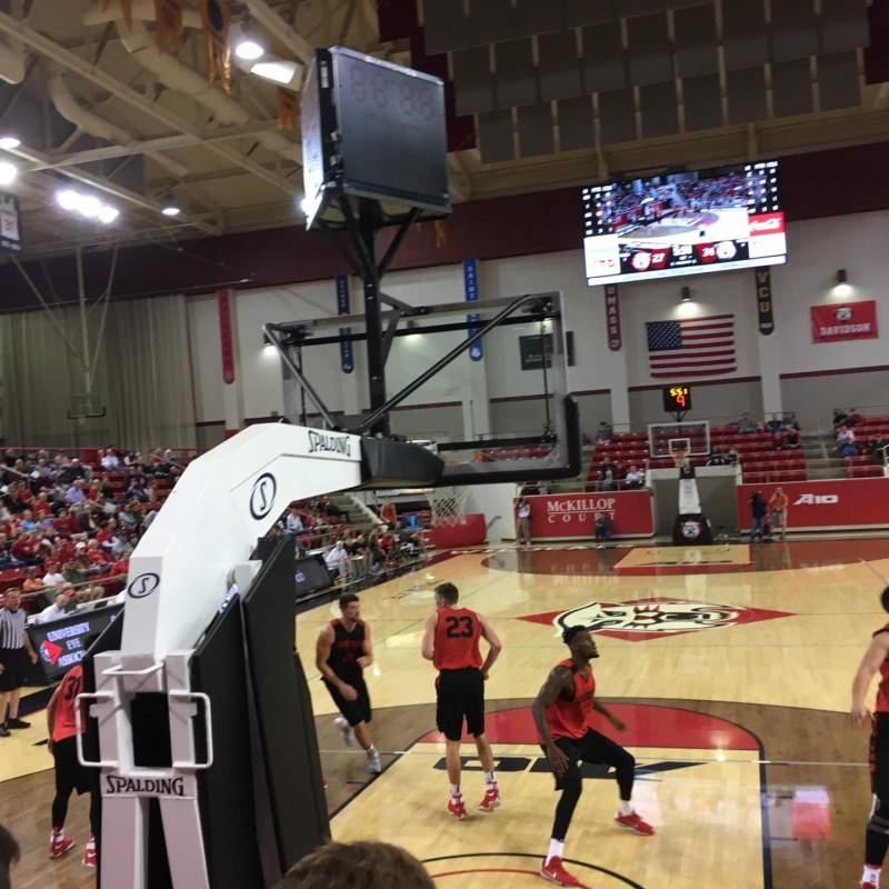 Vista sentada para John M. Belk Arena Secção 1 Fila B Lugar 1