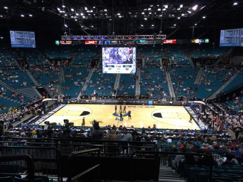 Vista sentada para MGM Grand Garden Arena Secção 214 Fila F Lugar 17