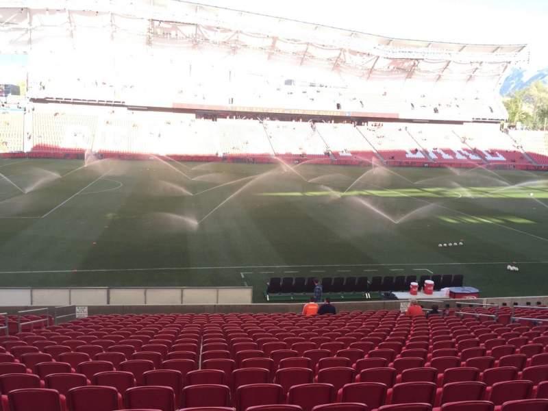 Vista sentada para Rio Tinto Stadium Secção 21 Fila V Lugar 18