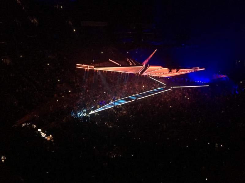Vista sentada para Scotiabank Arena Secção 324 Fila 3