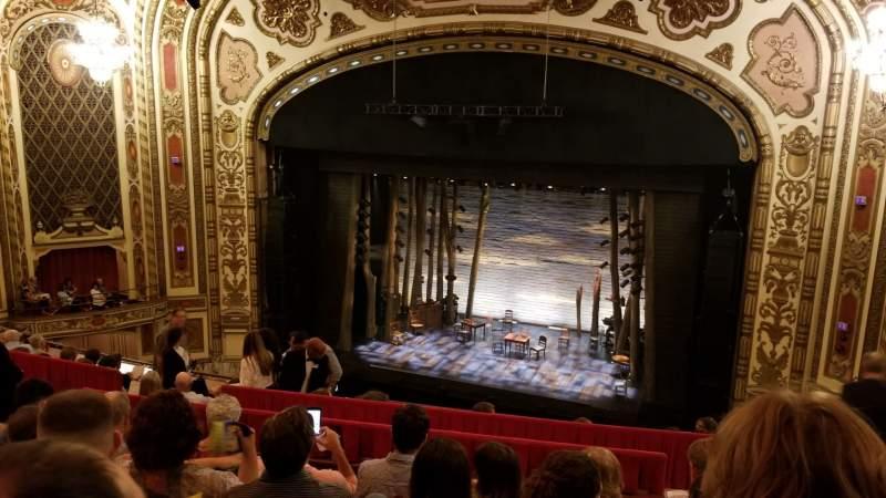 Vista sentada para Cadillac Palace Theater Secção Balcony RC Fila H Lugar 328
