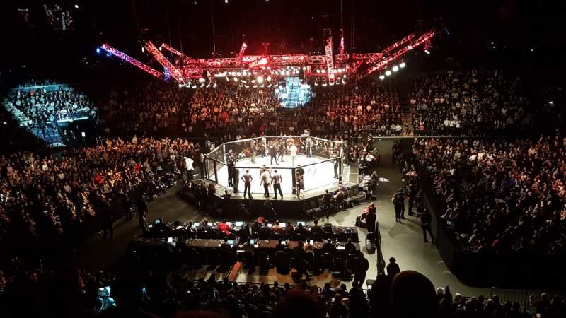 Vista sentada para Spark Arena Secção E Fila DD Lugar 892