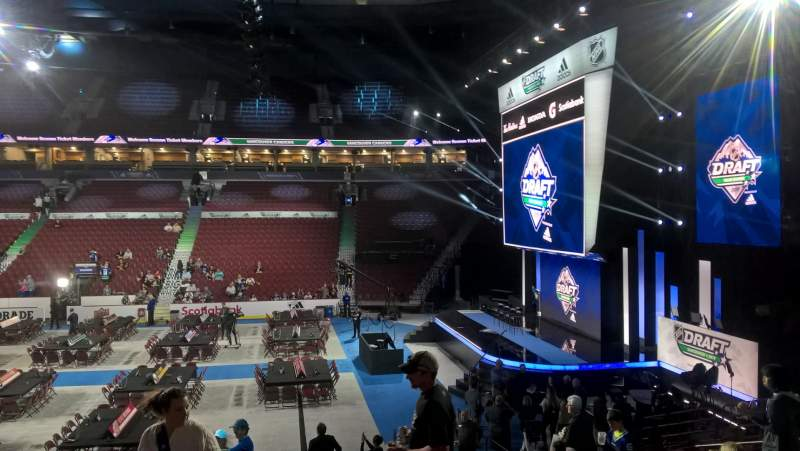 Vista sentada para Rogers Arena Secção 104 Fila 16 Lugar 110