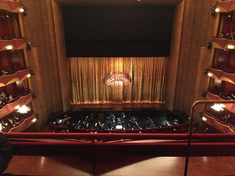 Vista sentada para Metropolitan Opera House - Lincoln Center Secção Balcony Center Fila B Lugar 101