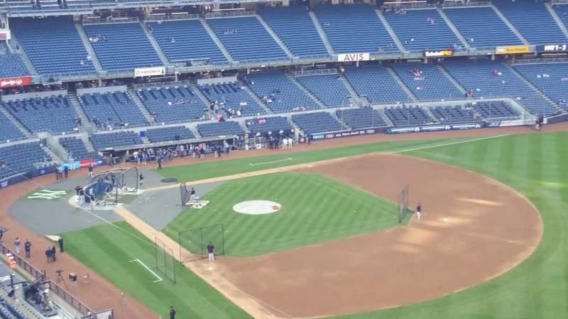 Vista sentada para Yankee Stadium Secção 410 Fila 1 Lugar 2