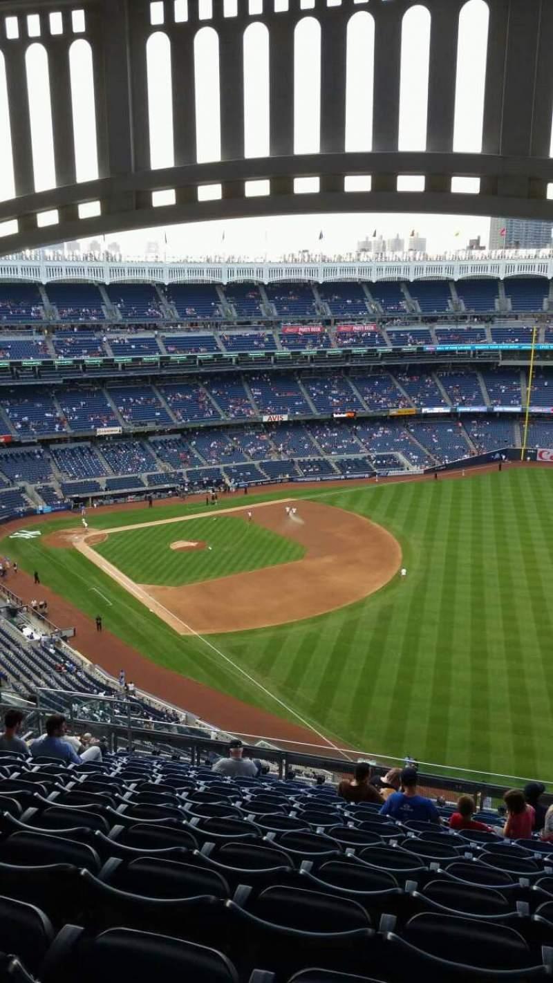 Vista sentada para Yankee Stadium Secção 409 Fila 14 Lugar 12