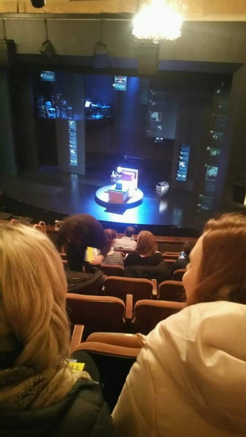 Vista sentada para Music Box Theatre Secção Mezzanine Fila J Lugar 12