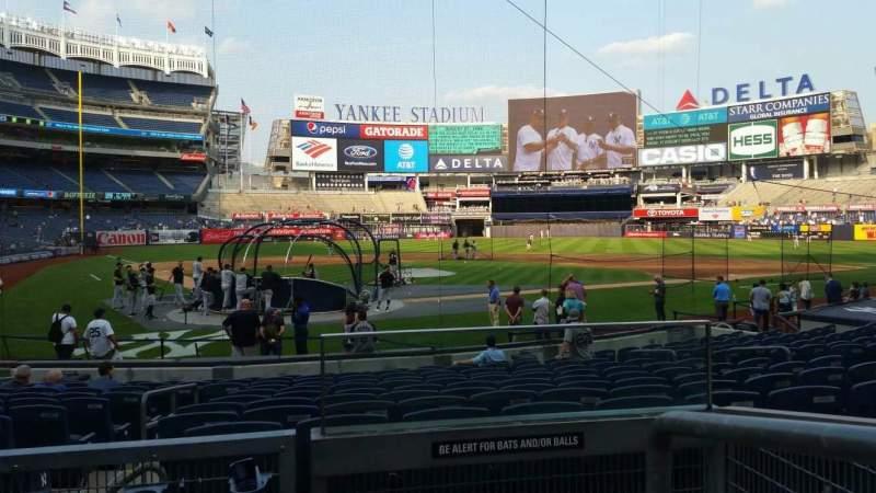 Vista sentada para Yankee Stadium Secção 119 Fila 3 Lugar 1