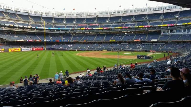 Vista sentada para Yankee Stadium Secção 131 Fila 23 Lugar 13