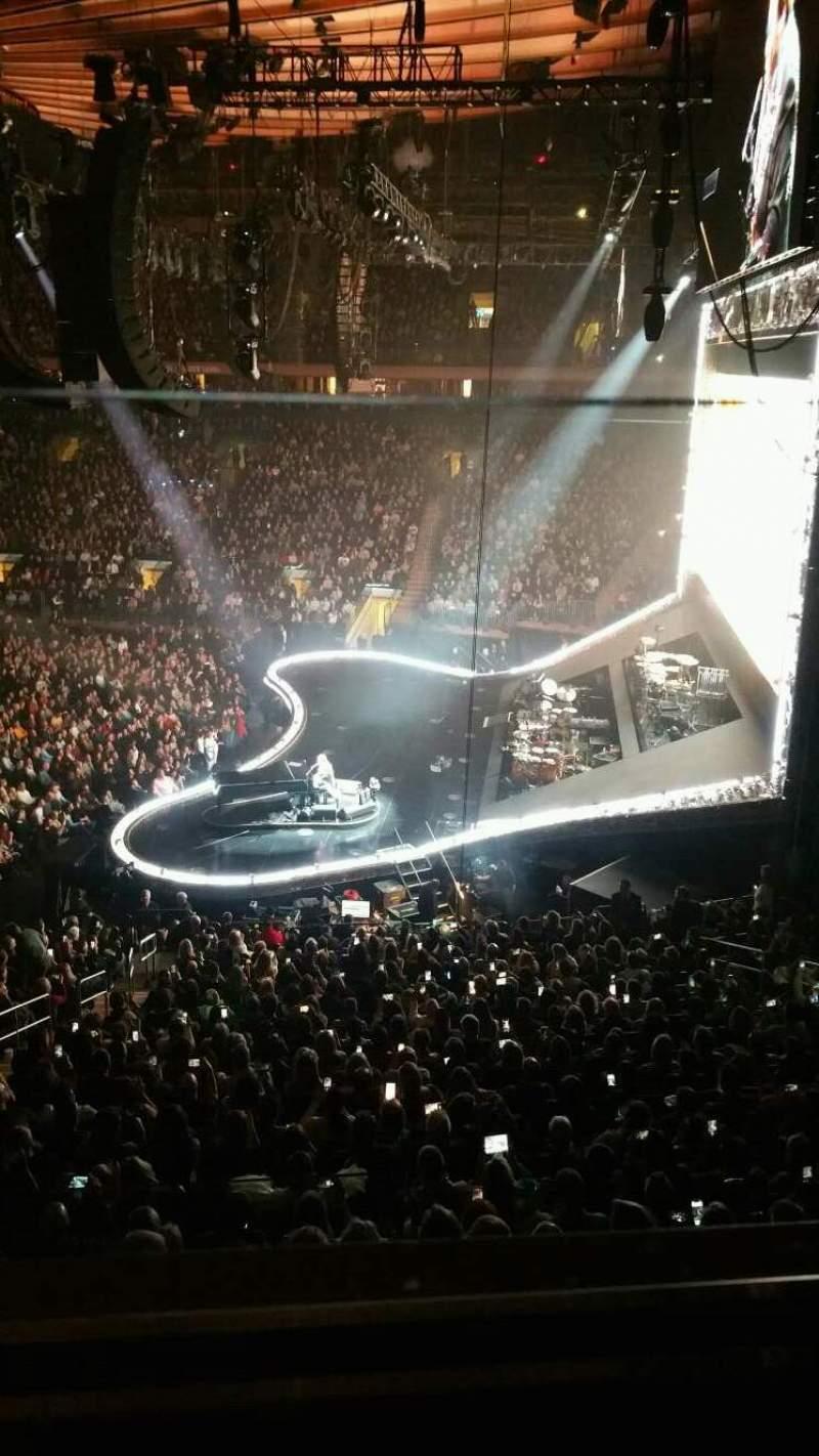 Vista sentada para Madison Square Garden Secção 213 Fila 1 Lugar 9