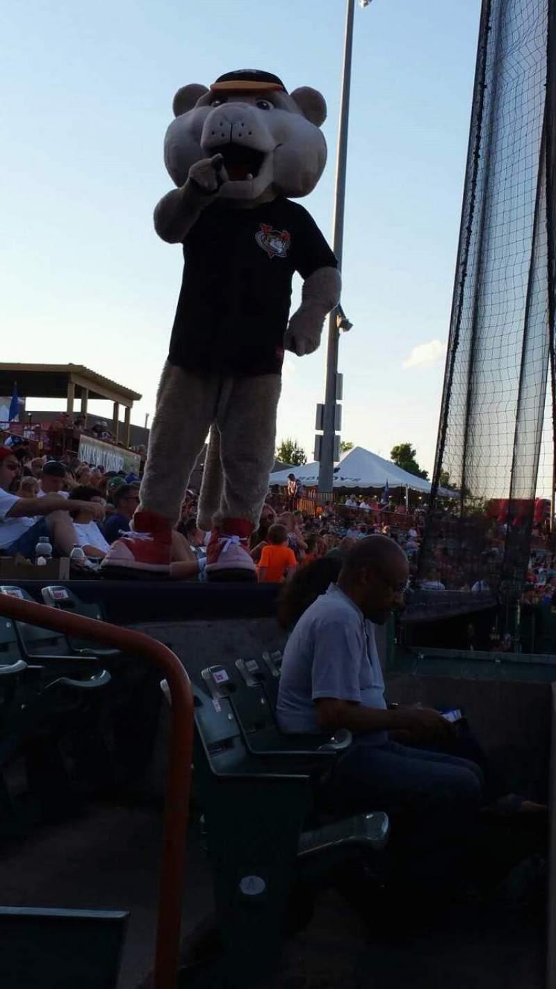 Vista sentada para Joseph L. Bruno Stadium Secção 110 Fila A Lugar 15