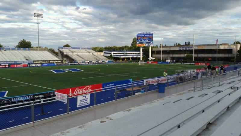 Vista sentada para James M. Shuart Stadium Secção 6 Fila 10 Lugar 19