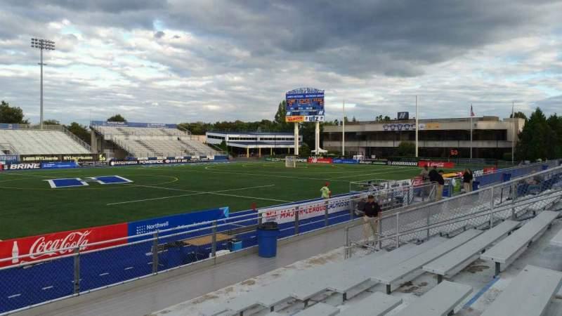 Vista sentada para James M. Shuart Stadium Secção 6 Fila 10 Lugar 9