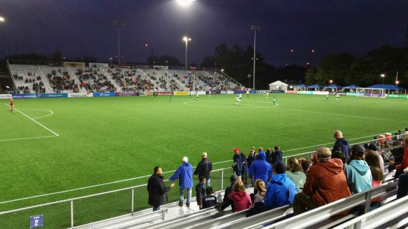 Vista sentada para Dillon Stadium Secção 2 Fila I Lugar 17