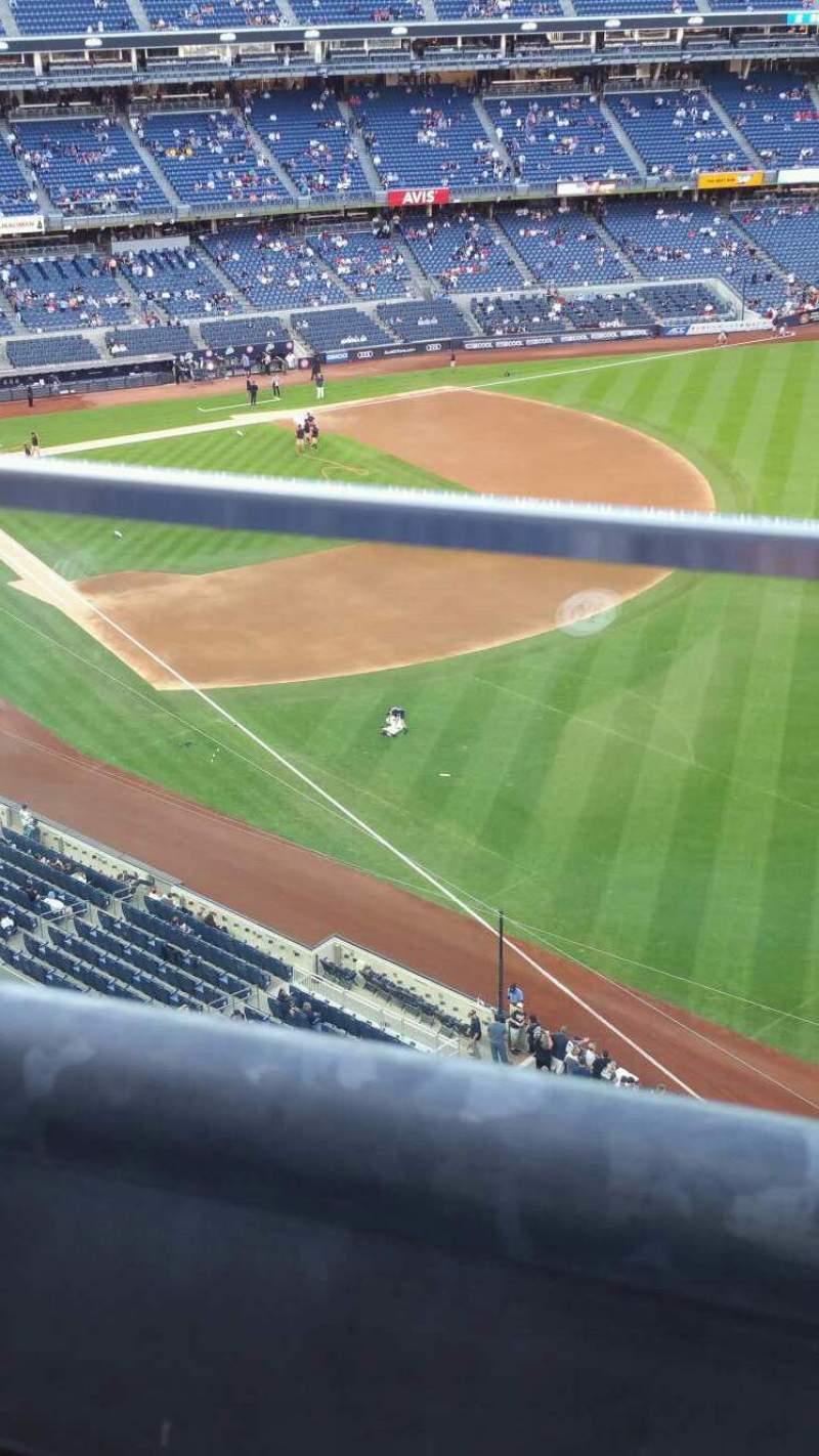 Vista sentada para Yankee Stadium Secção 409 Fila 1 Lugar 9