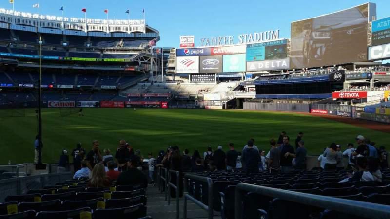 Vista sentada para Yankee Stadium Secção 111 Fila 15 Lugar 1