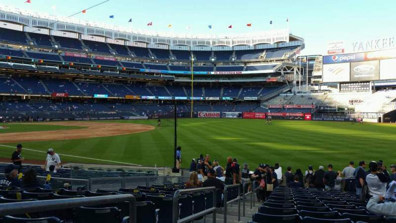 Vista sentada para Yankee Stadium Secção 110 Fila 17 Lugar 15