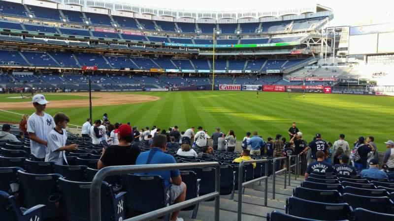 Vista sentada para Yankee Stadium Secção 109 Fila 15 Lugar 17
