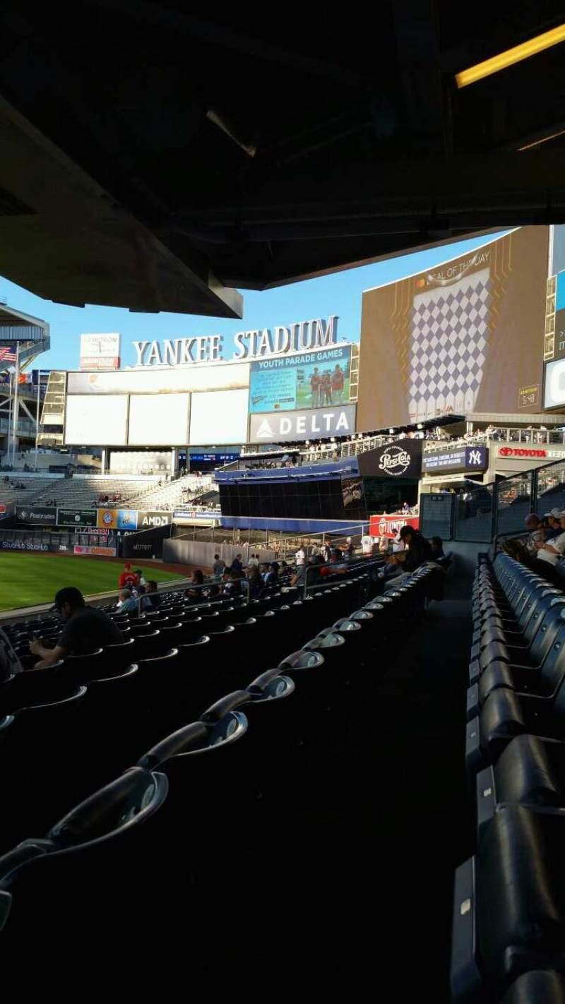 Vista sentada para Yankee Stadium Secção 105 Fila 12 Lugar 24