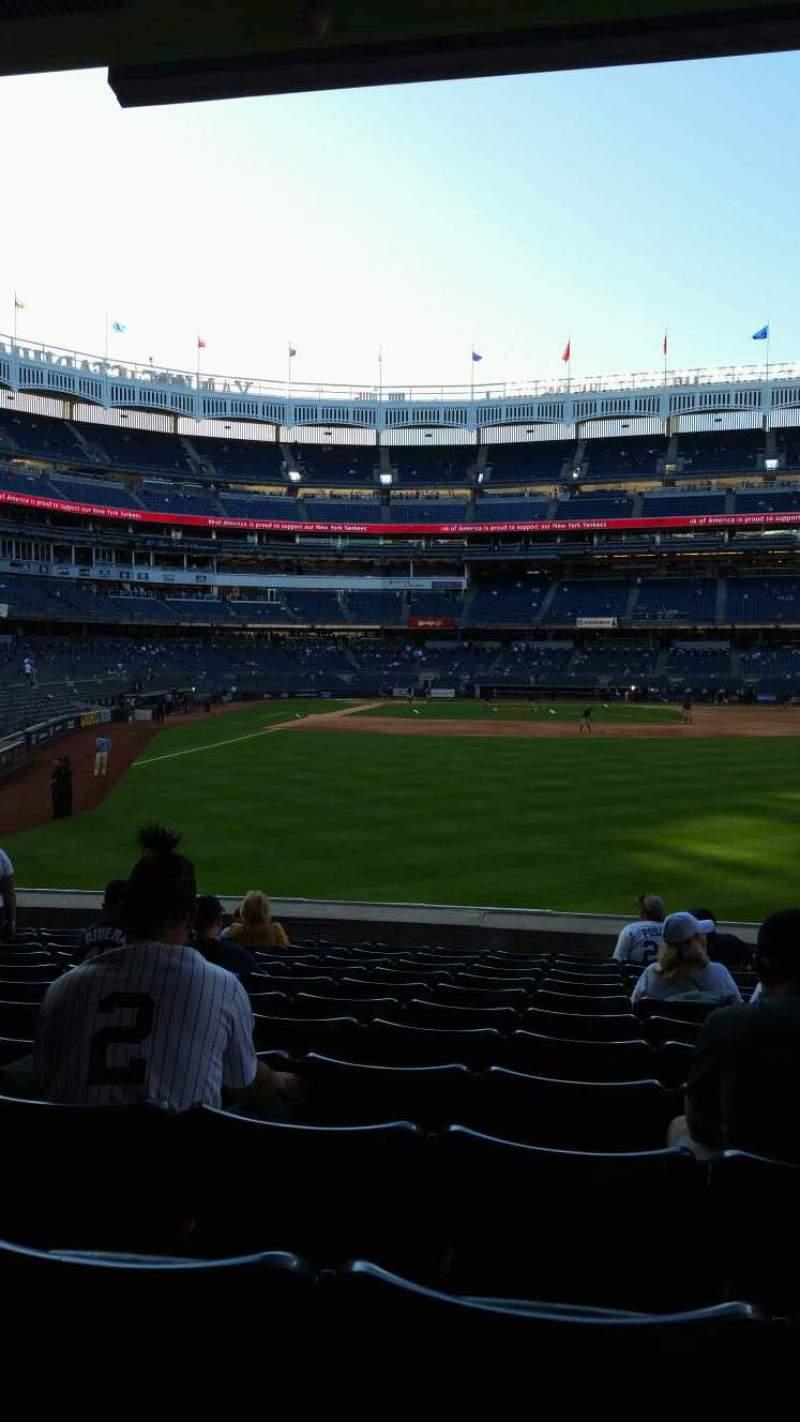 Vista sentada para Yankee Stadium Secção 105 Fila 12 Lugar 13