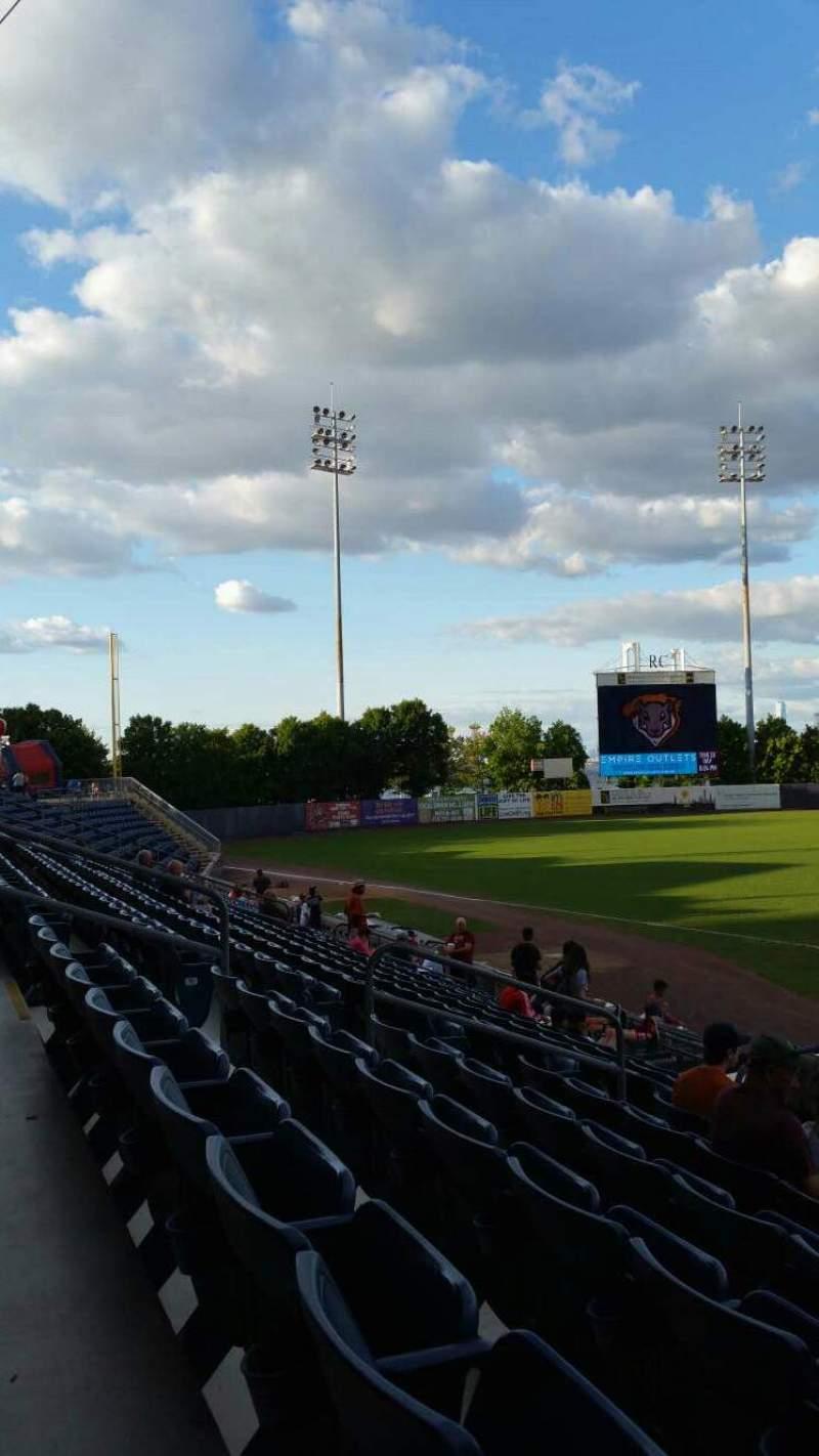Vista sentada para Richmond County Bank Ballpark Secção 6 Fila M Lugar 11