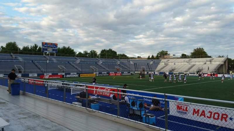 Vista sentada para James M. Shuart Stadium Secção 4 Fila D Lugar 19