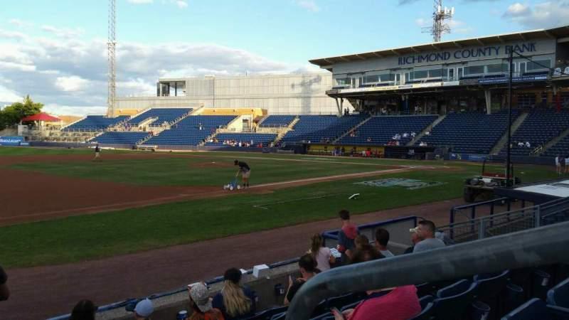 Vista sentada para Richmond County Bank Ballpark Secção 4 Fila F Lugar 1