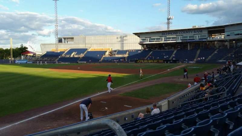 Vista sentada para Richmond County Bank Ballpark Secção 1 Fila J Lugar 1