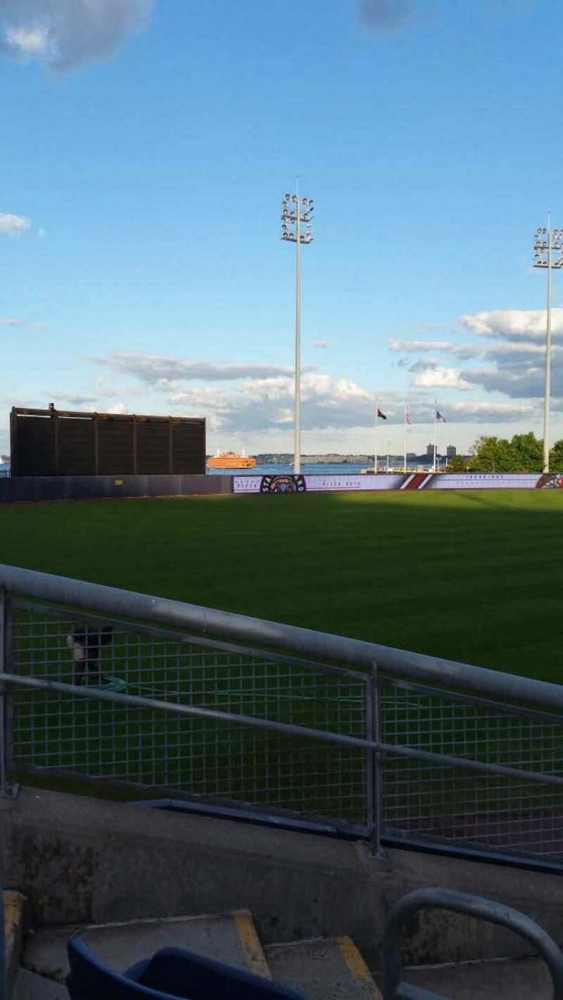 Vista sentada para Richmond County Bank Ballpark Secção 1 Fila J Lugar 18