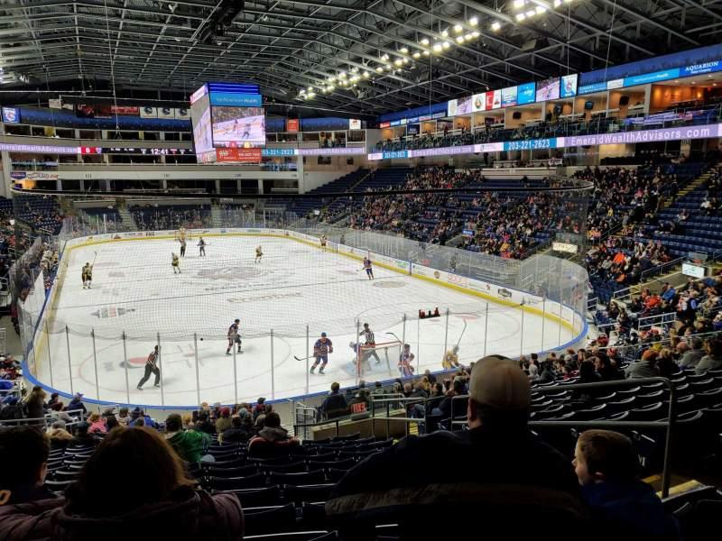 Vista sentada para Webster Bank Arena Secção 119 Fila S Lugar 6