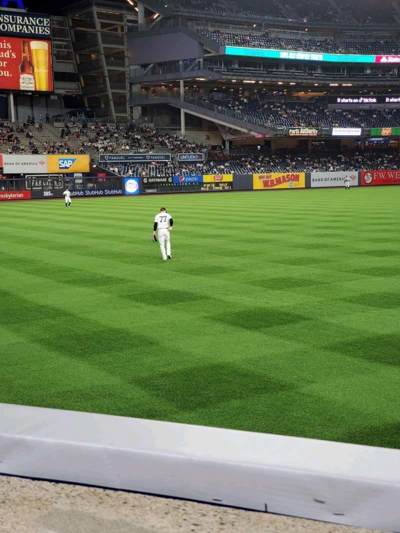 Vista sentada para Yankee Stadium Secção 132 Fila 1 Lugar 14