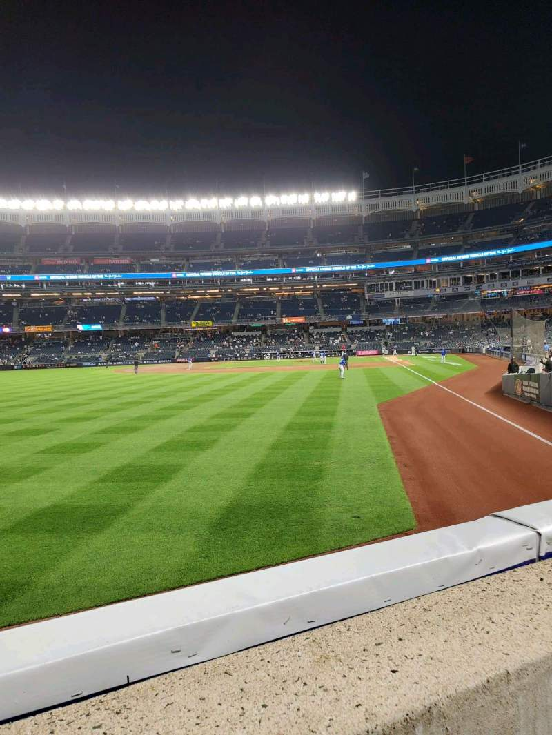 Vista sentada para Yankee Stadium Secção 132 Fila 1 Lugar 15