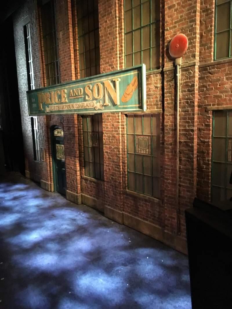 Vista sentada para Al Hirschfeld Theatre Secção Right Box Fila A Lugar 1