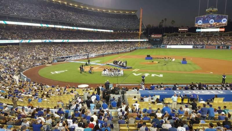 Vista sentada para Dodger Stadium Secção 128LG Fila A Lugar 5