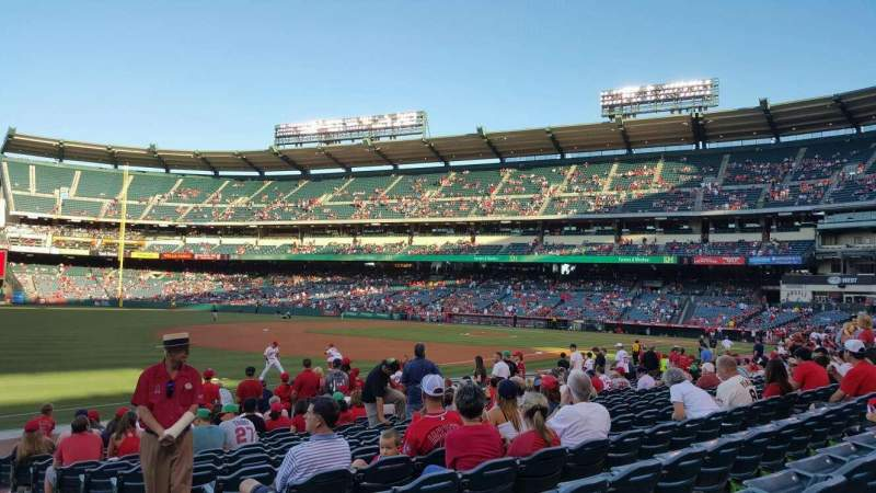 Vista sentada para Angel Stadium Secção 107 Fila N Lugar 15