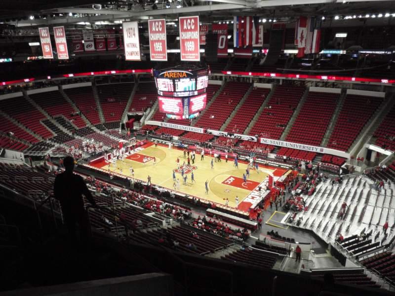 Vista sentada para PNC Arena Secção 301 Fila G Lugar 7
